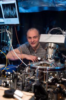 Prof Winfried Hensinger